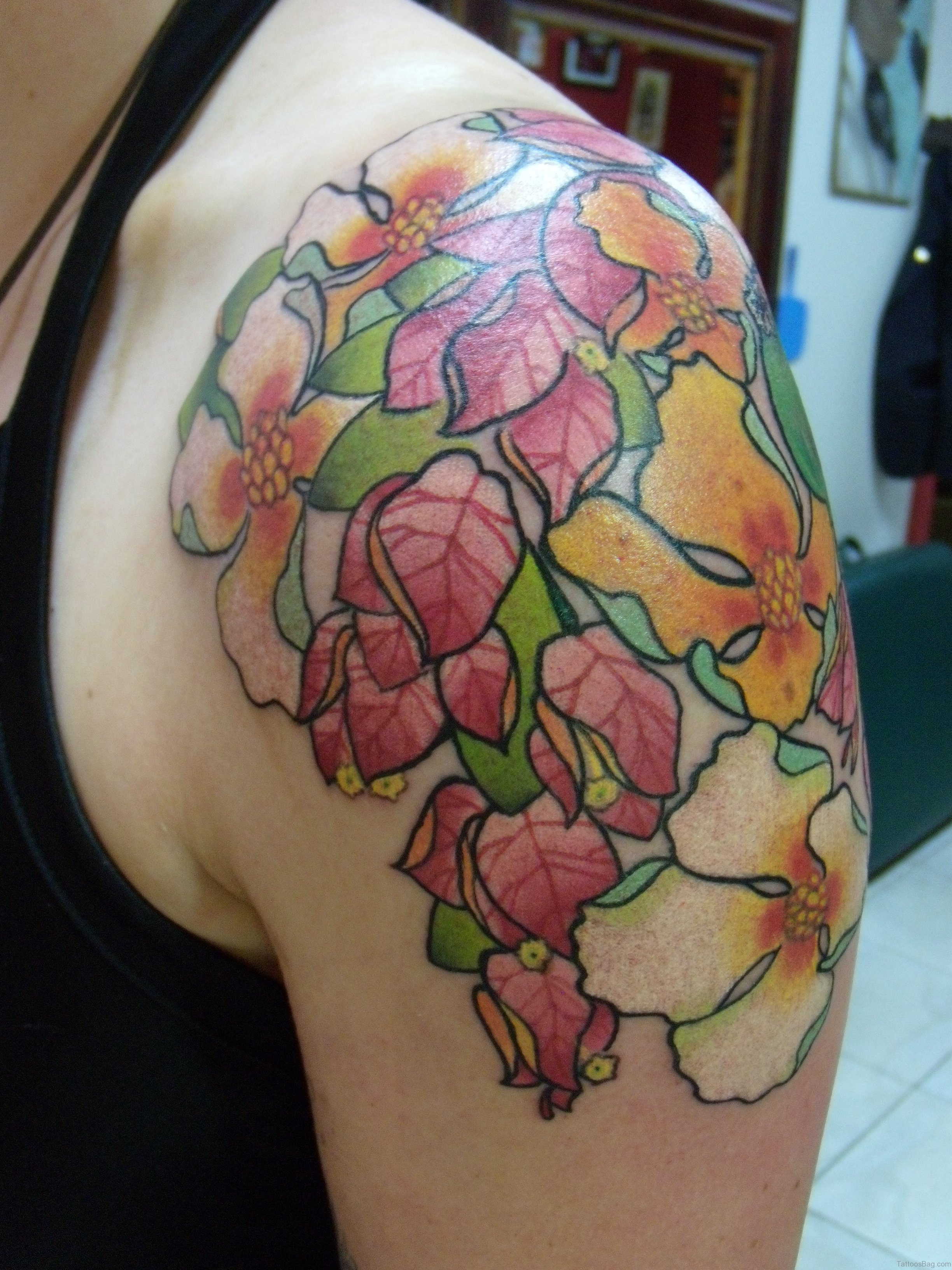 80 Splendid Flower Shoulder Tattoos
