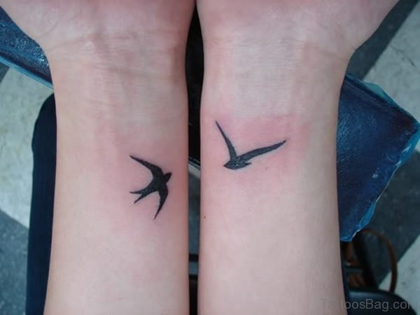 Attractive Birds Tattoo On Wrist