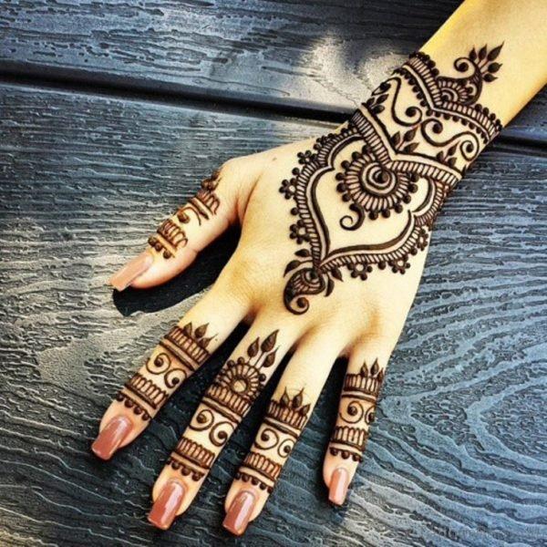 Beautiful Heena Tattoo Design