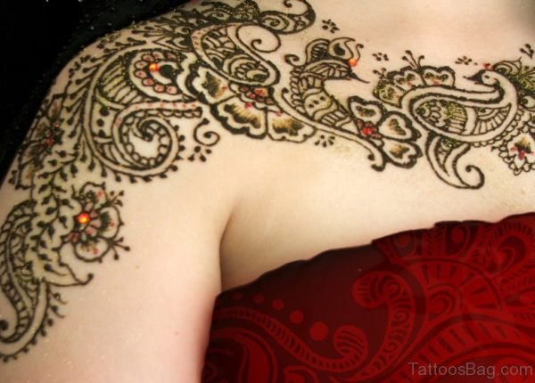 Beautiful Henna Tattoo On Right Shoulder