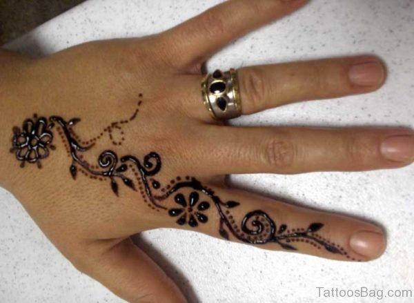 Beautiful Heena Tattoo