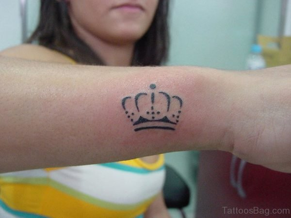 Black Outline Crown Tattoo
