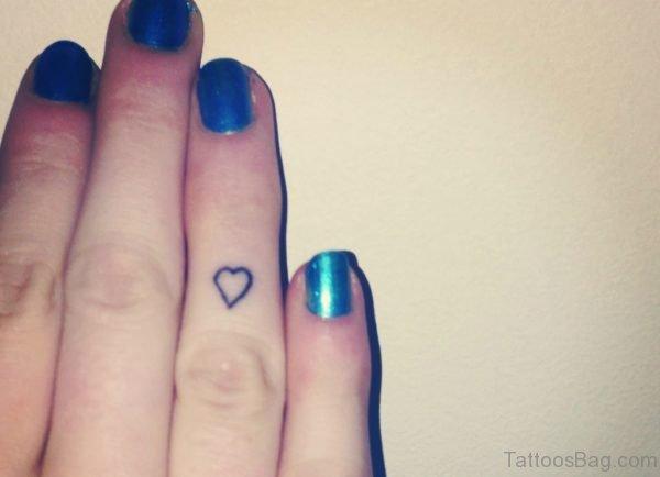 Black heart Tattoo On Finger