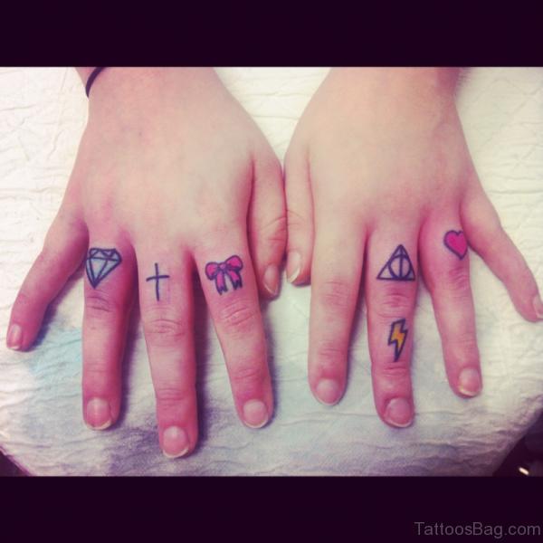 Bow Tattoo Design On Finger