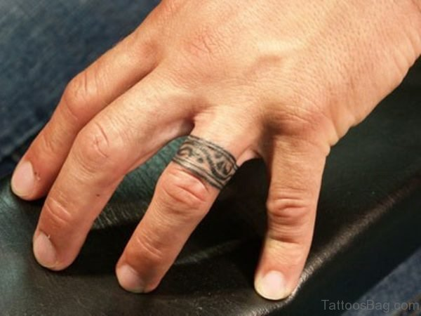 20 beautiful wedding ring tattoos for finger. Black Bedroom Furniture Sets. Home Design Ideas