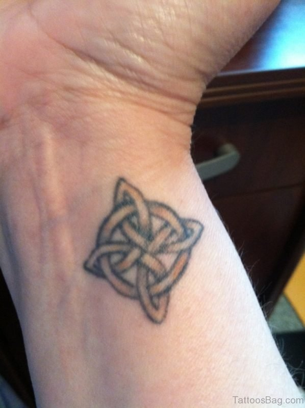 Lovely Celtic knot Tattoo