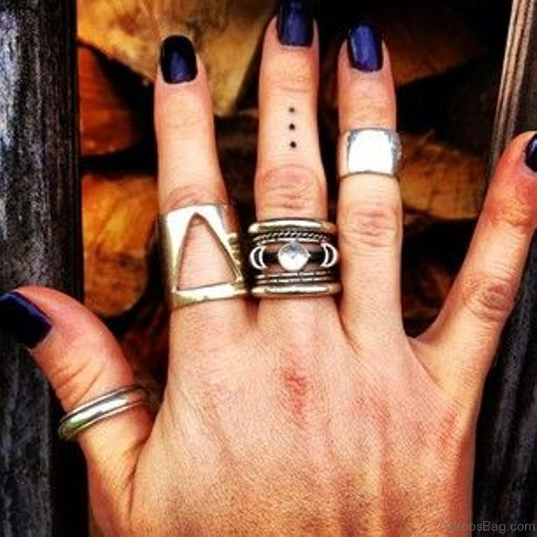 29 nice dots tattoos for fingers