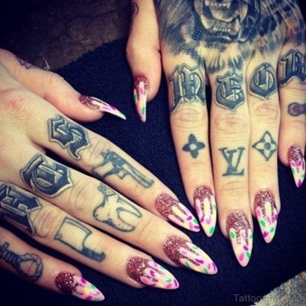 Elegant Finger Tattoo