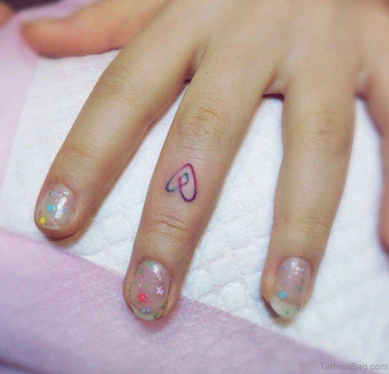 59 Small Heart Tattoos On Finger