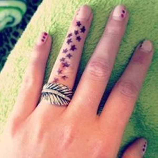 Fantastic Stars Tattoo On Fingers