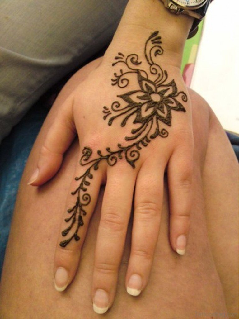 72 stylish heena tattoos on finger for Flower tattoos on hand