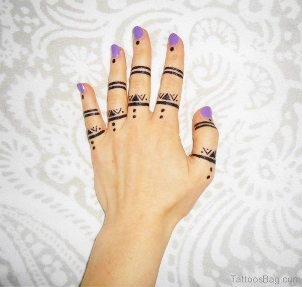 Heena Tattoo Design On Finger