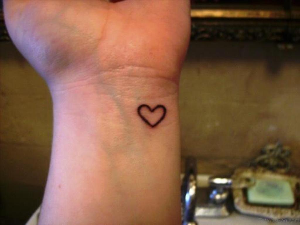 60 Sweet Heart Tattoos For Wrist