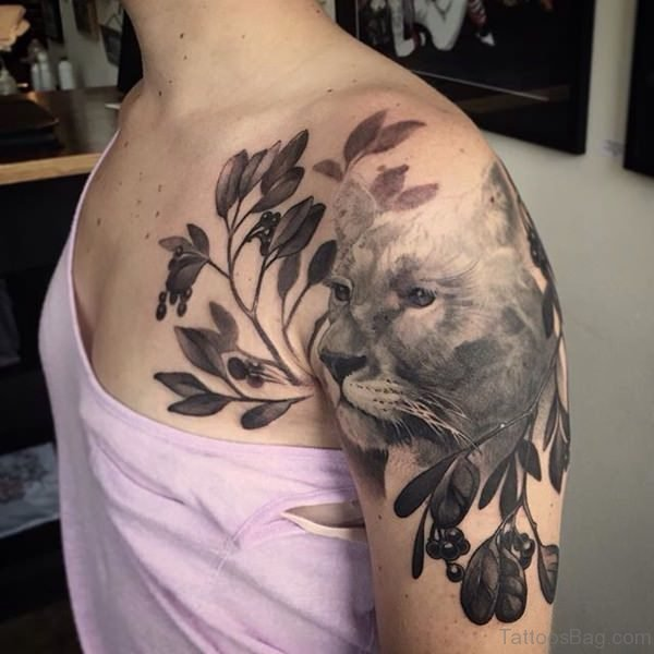 Lovely Lion Shoulder Tattoo Design