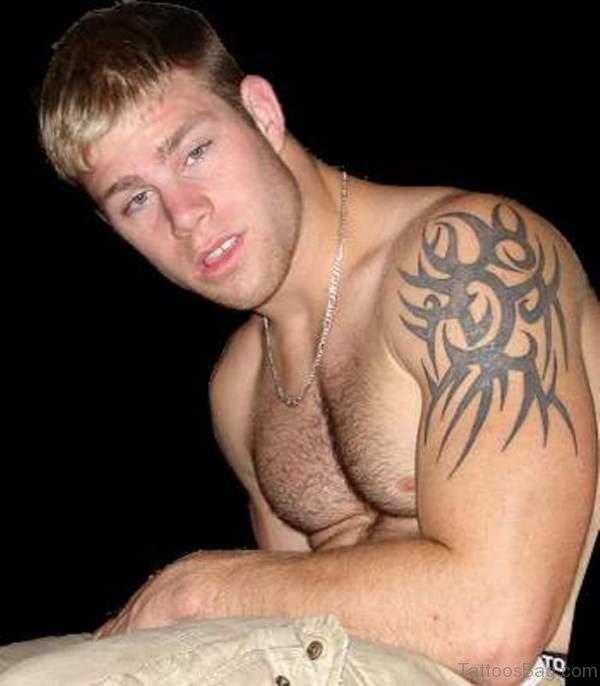 54 Wonderful Shoulder Tattoos For Men
