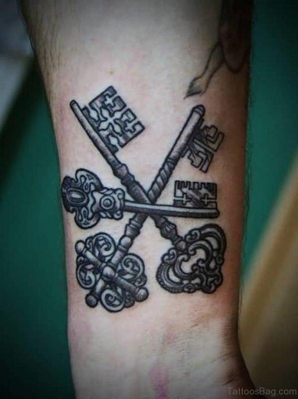 Nice Key Tattoo On Wrist