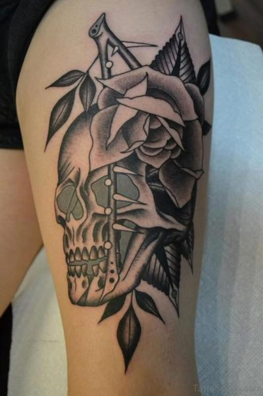 Old School Skull Rose Thigh Tattoo