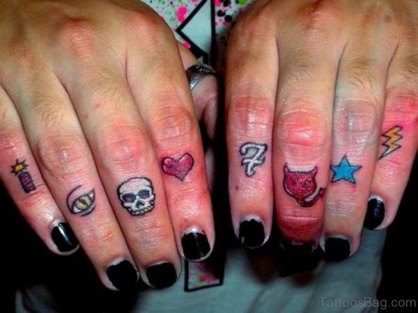 Skull Tattoo Design On Finger
