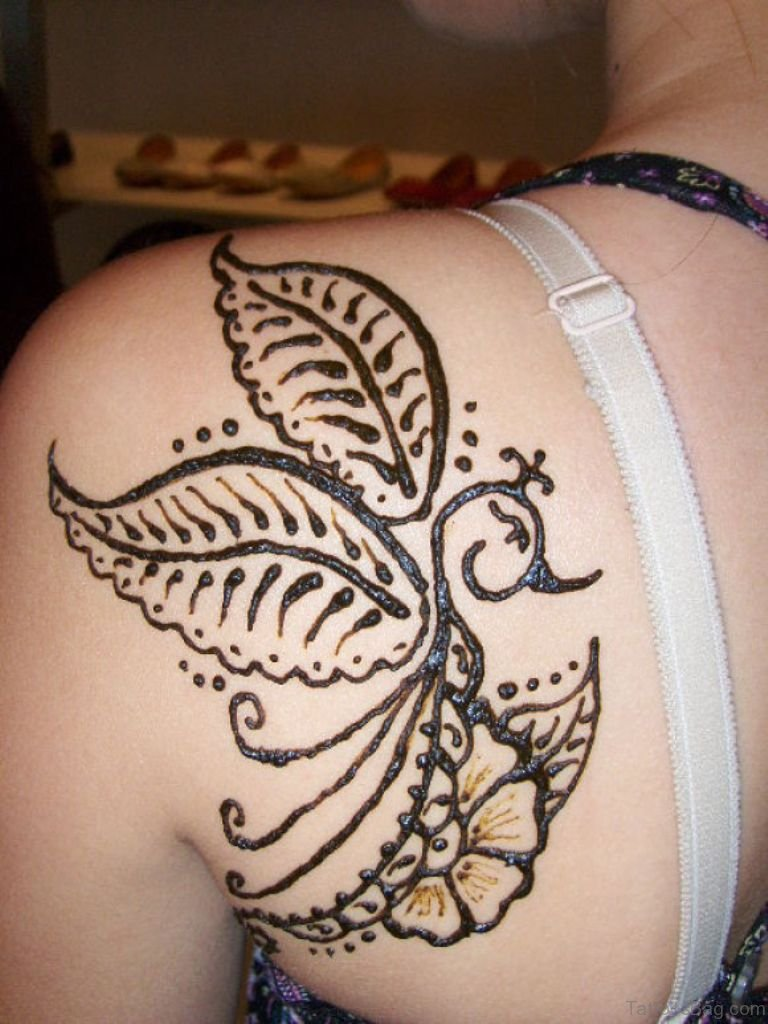 45 lovely henna on shoulder