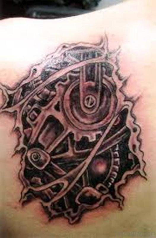 Trendy Biomechanical Tattoo Design