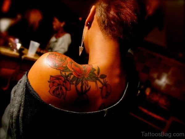 Wonderful Roses Tattoo On Shoulder Back