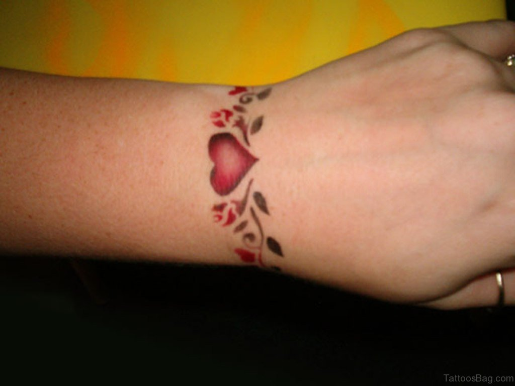 46 Amusing Arm Band Tattoos On Wrist