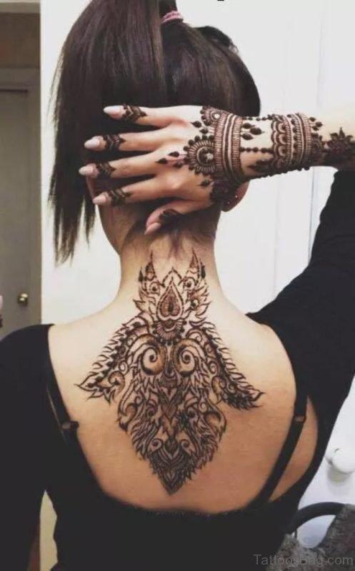 Amazing Henna Tattoo On Neck Back