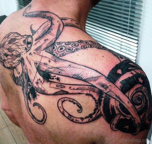 Amazing Octopus Tattoo On Back Shoulder