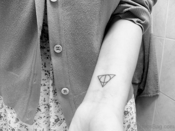 Amazing Triangle And Circle Tattoo