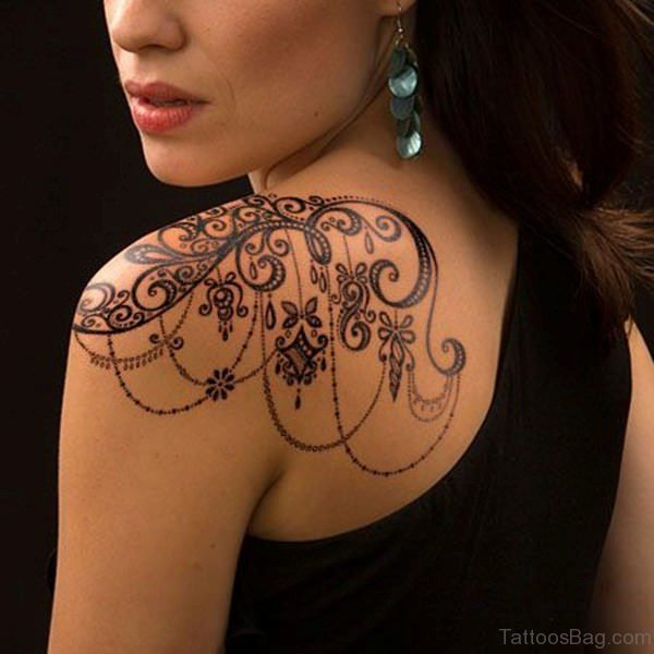 Attractive Shoulder Lace Tattoo