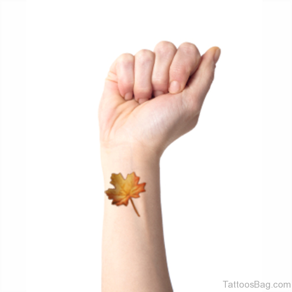 005d33d08c50e 28 Cute Four Leaf Tattoo Designs On Wrist