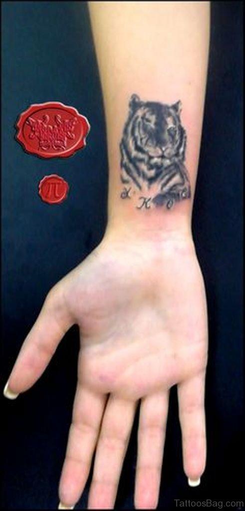 6cd78660b4ac 16 Fine Tiger Tattoos On Wrist