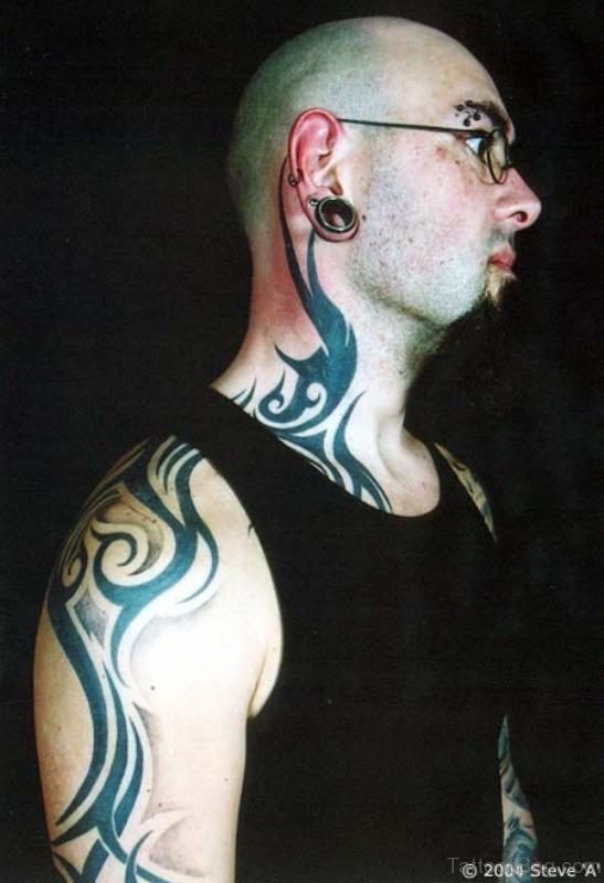 Awesome Tribal Tattoo On Neck