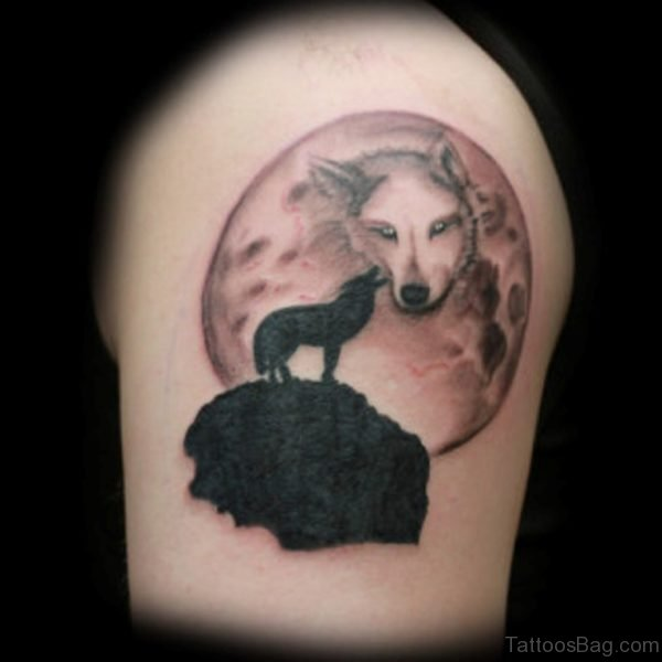 Awesome Wolf Tattoo On Thigh