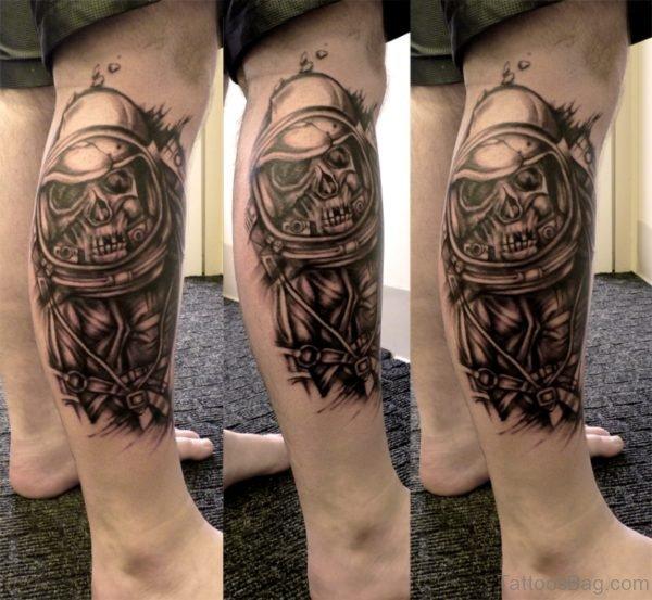 Balck Skull Tattoo Design On LEg