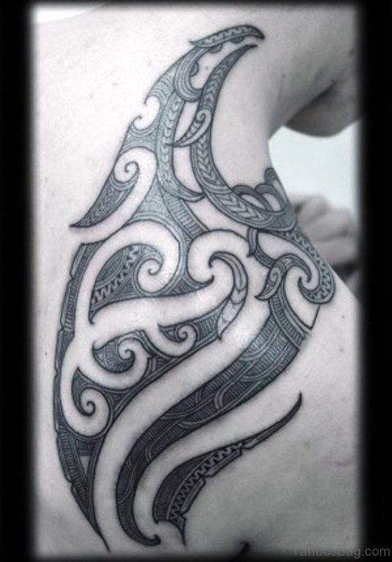 Beautiful Maori Shoulder Tattoo