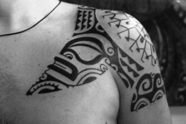Black And White Maori Tattoo Design