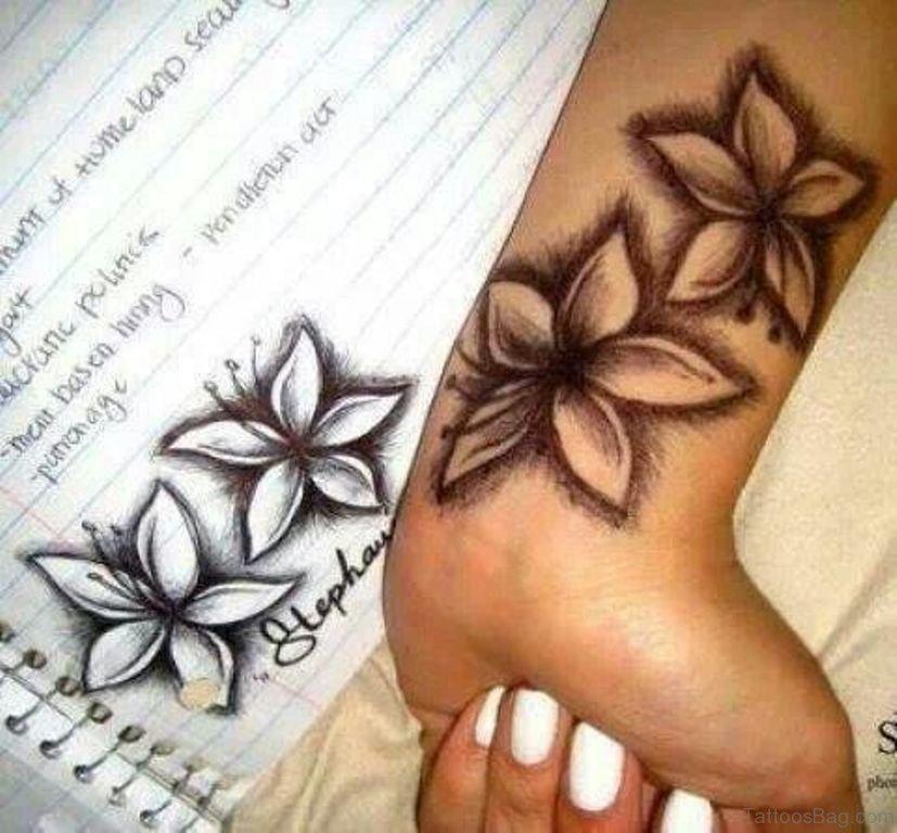 15 Matchless Hibiscus Wrist Tattoos