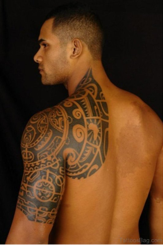 Black Tribal Tattoo On Shoulde