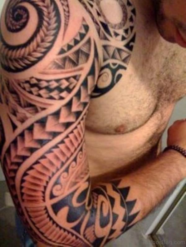 Brown Samoan Tattoo On Right Shoulder