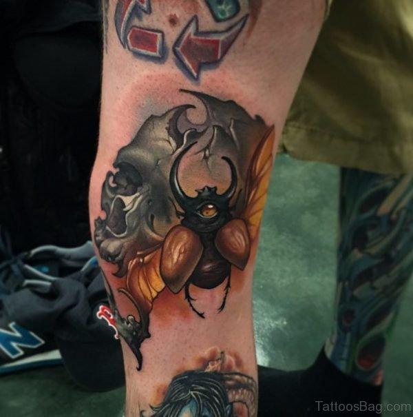 Classy Skull Tattoo Design On Leg