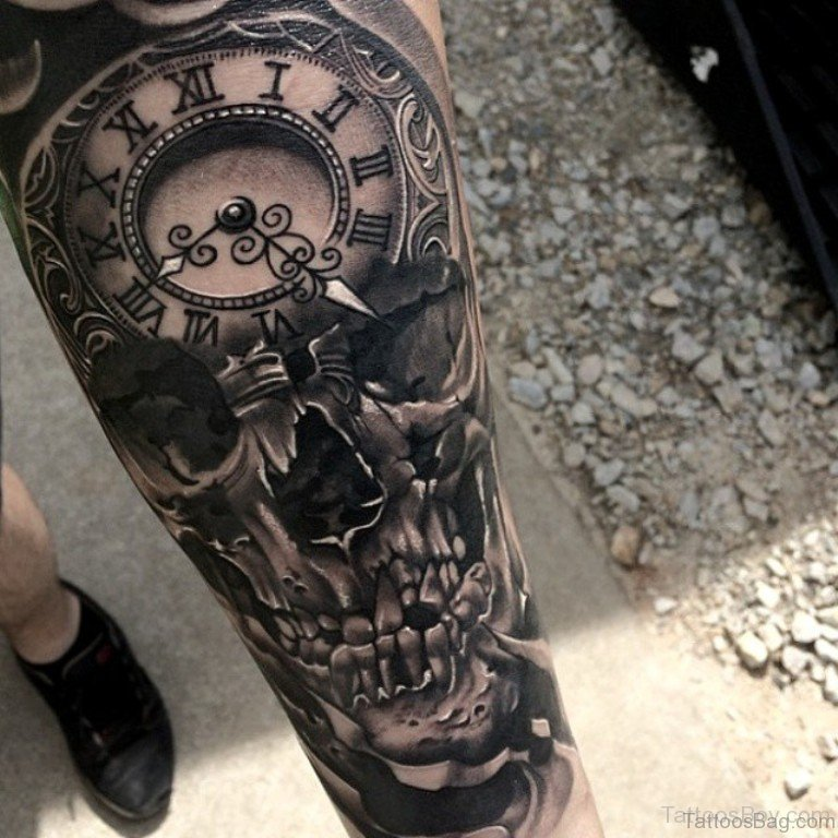Black And Gray Clock And Skull Tattoos On Bicep: 50 Top Class Clock Tattoos On Thigh