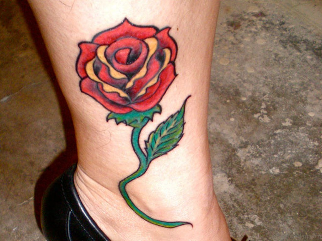 36 Fancy Rose Tattoos On Leg