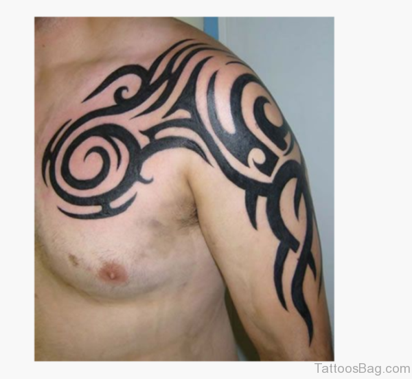 Cool Tribal Shoulder Tattoo Design