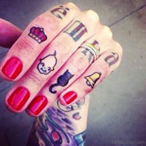 Cute Black Cat Tattoo On Ring Finger