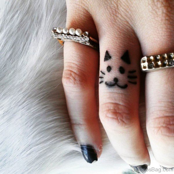 Elegant Cat Tattoo On Ring Finger