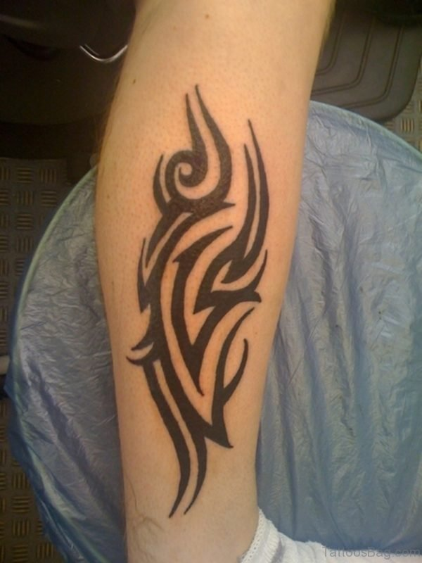 Excellent Tribal Tattoo On Leg