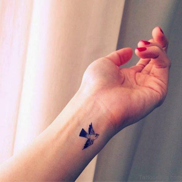Fabulous Swallow Tattoo Design