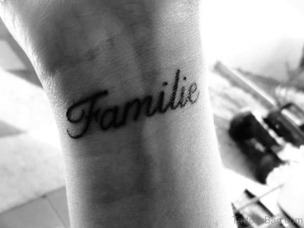 Familie Wrist Tattoo