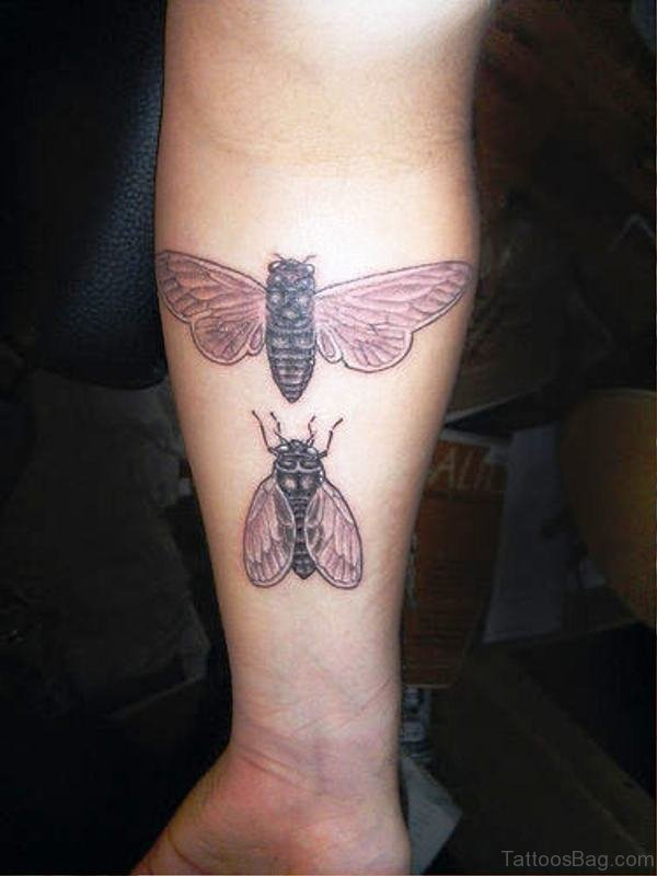 Fantastic Bee Tattoo On Wrist